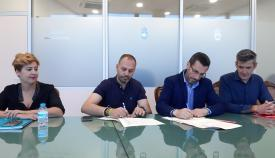 La firma del convenio ha tenido lugar en el Ayuntamiento de La Línea
