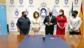 Ayuntamiento de Algeciras y Apymeal rubrican un convenio de colaboración