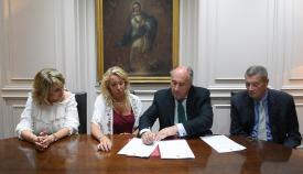 Ayuntamiento y Colegio de Notarios firman el convenio del Archivo Municipal