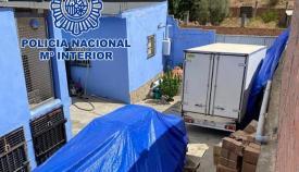 Intervenidas más de ocho toneladas de hachís en una casa de Algeciras