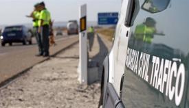 Una dotación de la Guardia Civil de Tráfico en una imagen de archivo