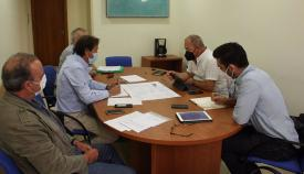 Un momento de la reunión celebrada en La Línea. Foto: NG