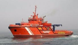 Rescatan a dos tripulantes de una embarcación cerca de Algeciras