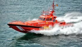 Trasladan al puerto de Algeciras a siete personas rescatadas en el Estrecho