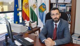 Juan Franco vuelve a exponer sus ideas ante vecinos de La Línea