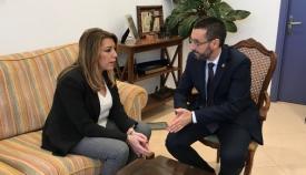 La presidenta de la Junta y el alcalde de La Línea, reunidos en el Ayuntamiento