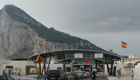 Paso de frontera en la verja de Gibraltar