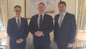 Joseph García, Liam Fox y Fabian Picardo, de izquierda a derecha. Foto InfoGibraltar