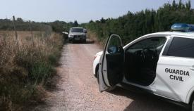 Imagen distribuida por la Guardia Civil en la que se ve el coche interceptado