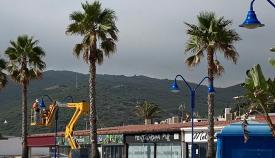 Playas acomete mejoras en el paseo marítimo de Getares