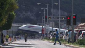 La avenida Winston Churchill cruza la pista del aeropuerto de Gibraltar