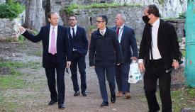 Steel estuvo acompañado por García y el director del proyecto. Foto GG