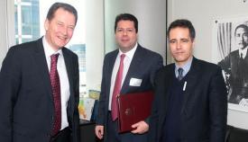 Graham Watson, Fabian Picardo y Joseph García, de izquierda a derecha