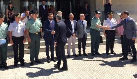 Franco saluda a Grande-Marlaska, en una imagen de archivo en La Línea