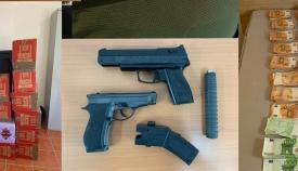 Parte del cargamento incautado en imagen difundida por la Guardia Civil