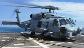 Un MH-60R 'Seahawk', del HSM 48 'Vipers', en la cubierta de vuelo del 'USS Roosevelt'. Foto US Navy