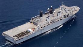 El HMS Albion es el buque insignia