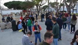 Los jóvenes participantes en el encuentro en la Alameda de San Roque