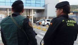 La Guardia Civil interviene en el Puerto 248 kilos de hachís ocultos en un camión