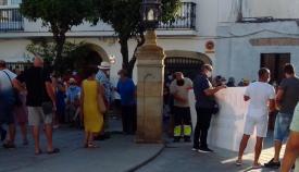 Un momento de la concentración en la Plaza de Armas