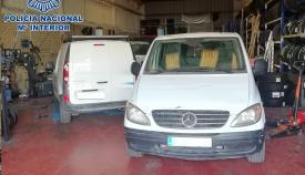 La Policía desmantela en Algeciras un taller de vehículos clandestino