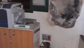 Bomberos interviene en un incendio en un edificio de Aduanas en Algeciras
