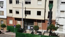 Un trabajador de la construcción, grave al caer de un andamio en Algeciras
