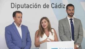 Irene García y sus dos vicepresidentes, José María Román y Mario Fernández