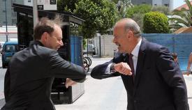 Saludo entre el gobernador y el ministro Isola