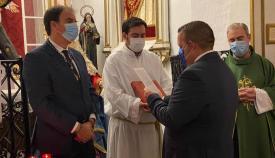 Un momento de la toma de posesión de la Junta de Gobierno en Santa María la Coronada