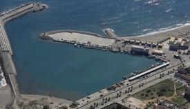 Imagen aérea del puerto de La Atunara. Foto NG