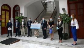 La Fundación La Caixa entrega 3.125 euros al comercio local de Algeciras