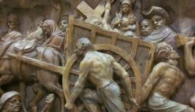 Detalle de la impresionante obra del escultor sanroqueño Luis Ortega Bru  «El  Éxodo». Homenaje al pueblo que salió de Gibraltar. Palacio de los Gobernadores. Foto APG.