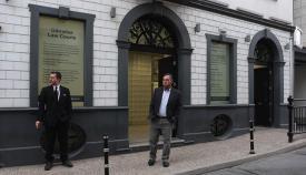 Leoncio Fernández, a la puerta del juzgado gibraltareño