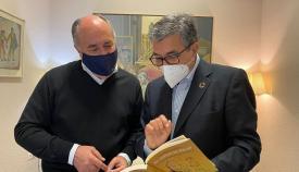 Landaluce felicita a Juan Antonio Palacios por su Medalla de San Isidoro