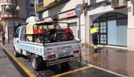 Tareas de limpieza en el Ayuntamiento de La Línea. Foto: NG