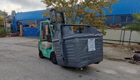 Imagen de una de las carretillas con el contenedor cargado. Foto: algeciras.es