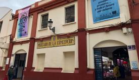 Una imagen reciente de la fachada del Mercado Municipal. Foto: lalínea.es