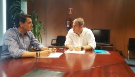 Juan Macías (d) junto al consejero delegado de Arcgisa, José Manel Alcántara