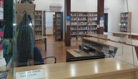 Interior de la Biblioteca Municipal de La Línea