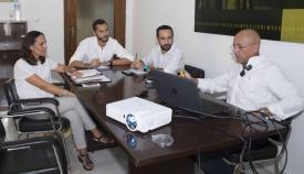 Mario Fernández en una reunión reciente sobre el alga invasora