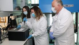 El equipo científico trabajando. Foto GG