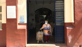 Uno de los acceso del Mercado Municipal de La Línea