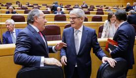 El senador Landaluce del PP y el ministro de Exteriores, Dastis