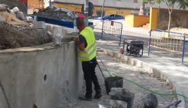 Avanzan a buen ritmo las obras para reconstruir el muro de la antigua biblioteca