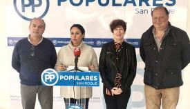 Imagen de archivo de Marina García y parte de su equipo en rueda de prensa