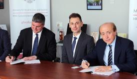 Firma del acuerdo entre el Gobierno de Gibraltar y el Grupo Hospiten