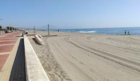 Una zona de la playa de levante de La Línea. Foto: lalínea.es