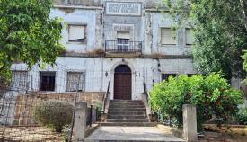 Vox Algeciras exige la rehabilitación urgente del antiguo Asilo San José