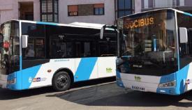 Varios autobuses del servicio de transporte urbano de La Línea